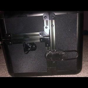 Sephora Collection Black matte large Metal case
